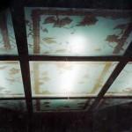 תקרה מעוגלת בשילוב זכוכית מעוטרת